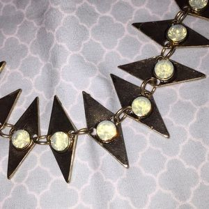 NWT Beautiful Gold Opalescent Necklace (WetSeal)